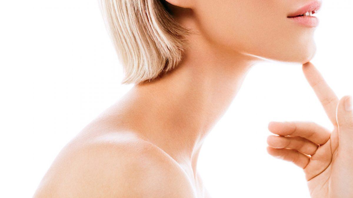 Il ringiovanimento cutaneo di viso e collo: non solo creme